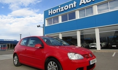Volkswagen Golf 1.9 TDI  BlueMotion iGolf 105cv Rojo metalizado