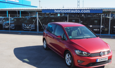 Volkswagen Golf SportsVan 1.6TDi 110cv Advance 110cv Granate metalizado