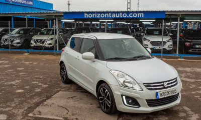 Suzuki Swift 1.2i Black and White 95cv Blanco